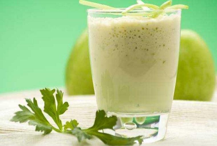 Suco de Berinjela com Abacaxi