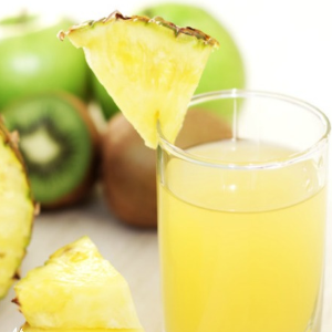 Suco de abacaxi detox