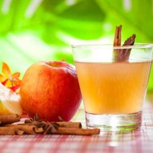 Suco de maçã detox