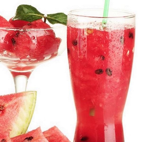suco detox de melancia e abacaxi